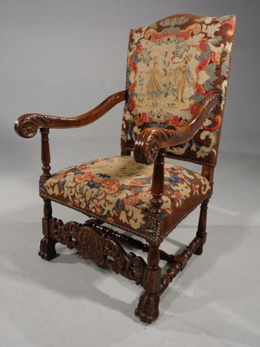 A Well Carved Early 20th Century Oak Throne Type Chair