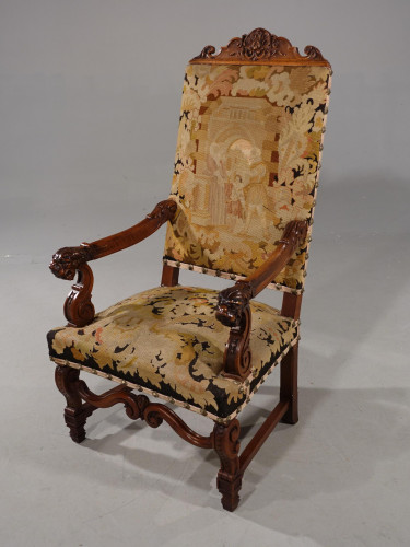 A Well Carved Early 20th Century Walnut Framed Throne Shaped Chair