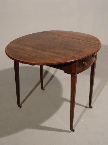 A Good Late 18th Century Pembroke Table