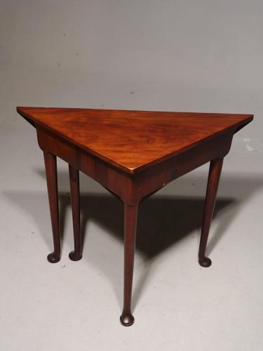 A Good George III Period Mahogany Corner Table
