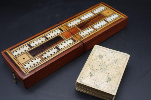 A Beautifully Made Early 20th Century Travelling Cribbage Board
