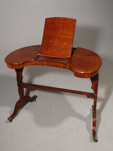 A Rare and Beautifully Figured George III Period Kidney Shaped Reading / Writing Table