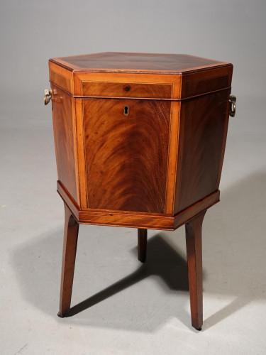 A Good George III Period Hexagonal Mahogany Wine Cooler