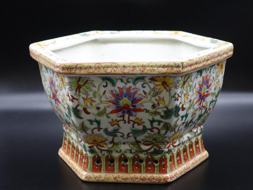 A Well Decorated Early 20th Century Hexagonal Chinese Porcelain Jardinière