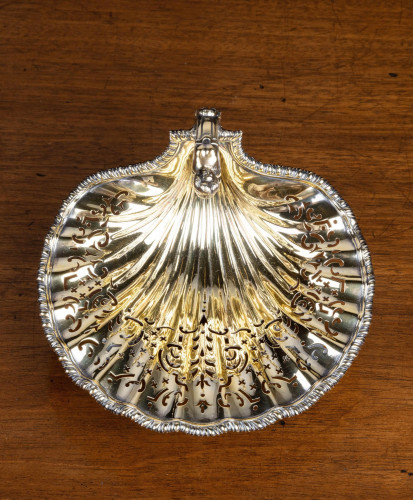 An Exceptionally Fine Early 20th Century Silver Gilt Bonbon Dish.