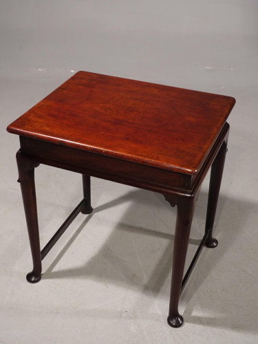 A Most Attractive Mid 18th Century Centre-Standing Occasional Table