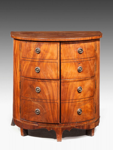 Early 19th Century Bow Front Commode.