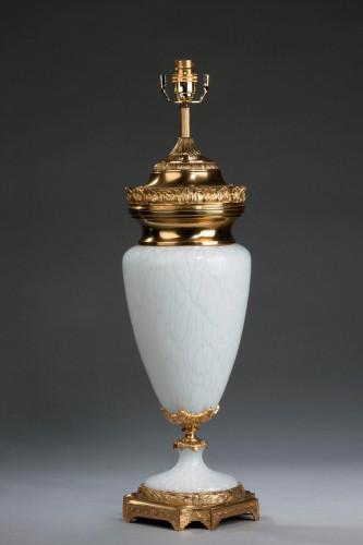 Single Mottled Glass Lamp.