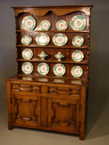 A Very Fine Quality Early 20th Century Jacobean Style Dresser and Rack