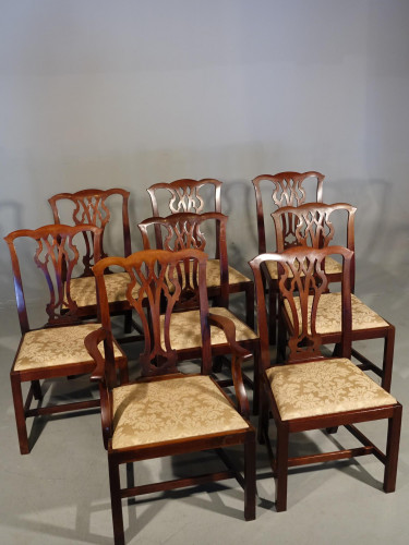 A Good Early 20th Century Set of 8 (7+1)  Chippendale Design Mahogany Chairs