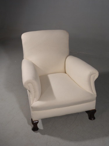 An Early 20th Century Mahogany Framed Drawing Room Chair