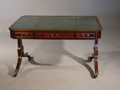 An Outstanding Early 19th Century Mahogany Reading / Writing Table