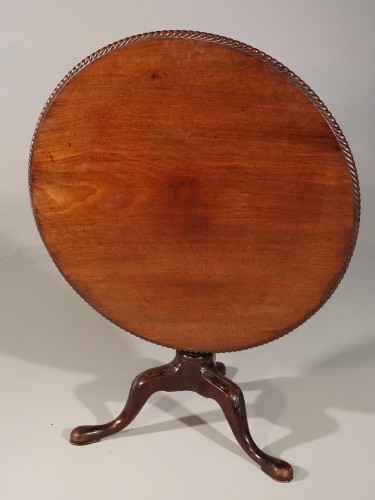 A Very Good and Large George III Period Mahogany Tilt Table