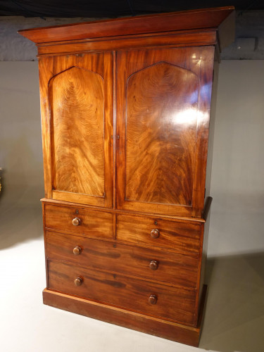 A Finely Figured, Early Victorian, Mahogany Press