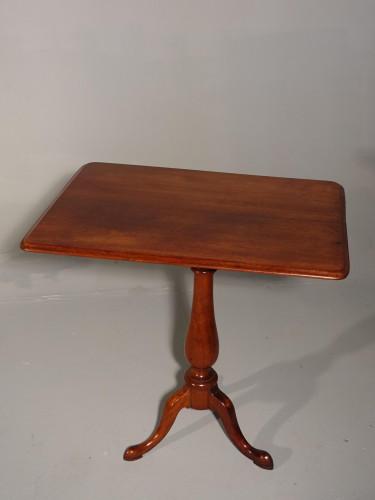 An Attractive Mid Victorian Mahogany Tilt Table