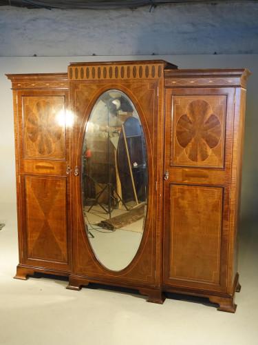 A Fine Quality Early 20th Century Mahogany Breakfront Wardrobe