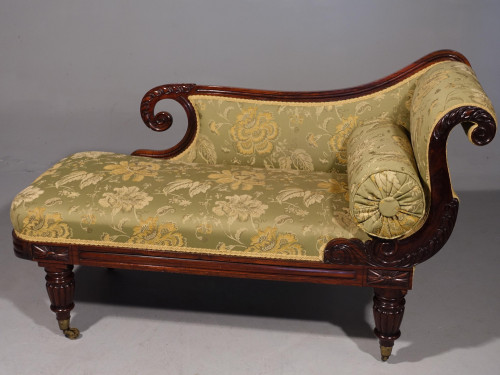 An Attractive Mid 19th Century Rosewood Chaise Lounge by Gillows of Lancaster