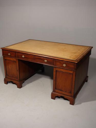 A Fine Quality Centre Standing Mahogany Partners Desk