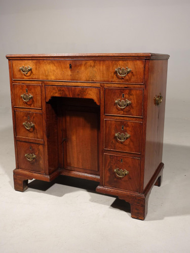 A Most Attractive George III Period Kneehole Desk