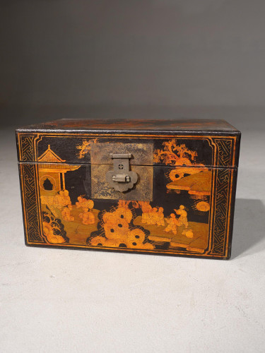 A Good Early 20th Century Oriental Rectangular Box