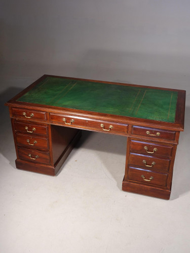 A Good Late 19th Century Pedestal Desk with a Triple Inlaid Leather Top