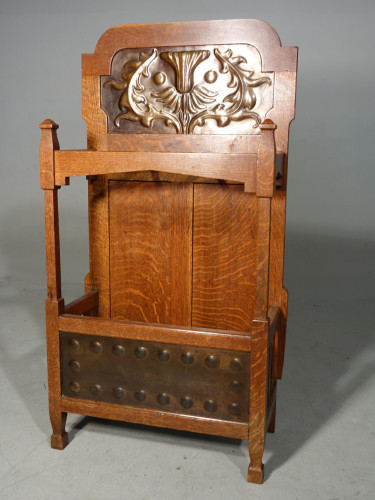 A Very Good Early 20th Century Art Deco Oak Hall Stand