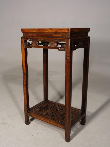 An Attractive Early 20th Century Elm Occasional Table