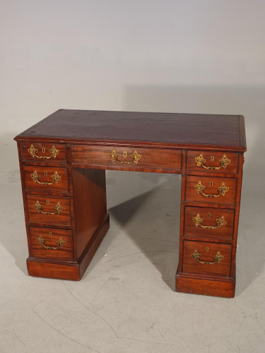 An Exceptionally Fine George III Period Mahogany Kneehole Desk
