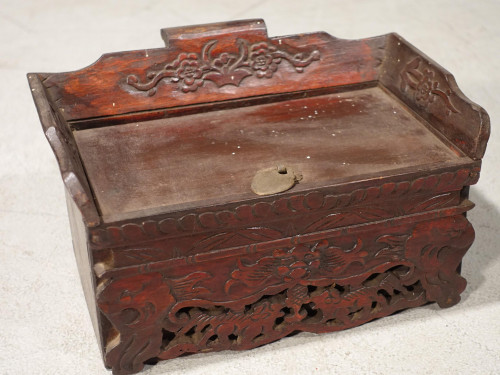An Early 20th Century Oriental Desktop Writing Box