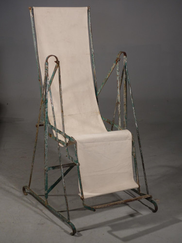 A Most Unusual Early 20th Century Swing Garden Chair