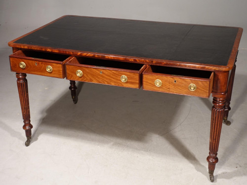 An Exceptional Mahogany Writing Table by Gillows of Lancaster.